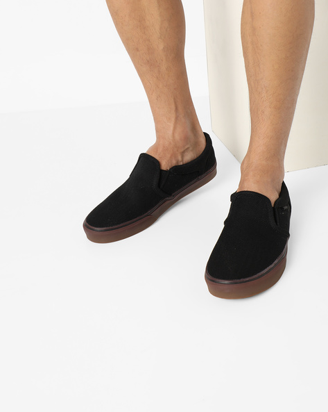 Slip-On Shoes With Elasticated Gussets By Vans ( Black ) - 460134878001