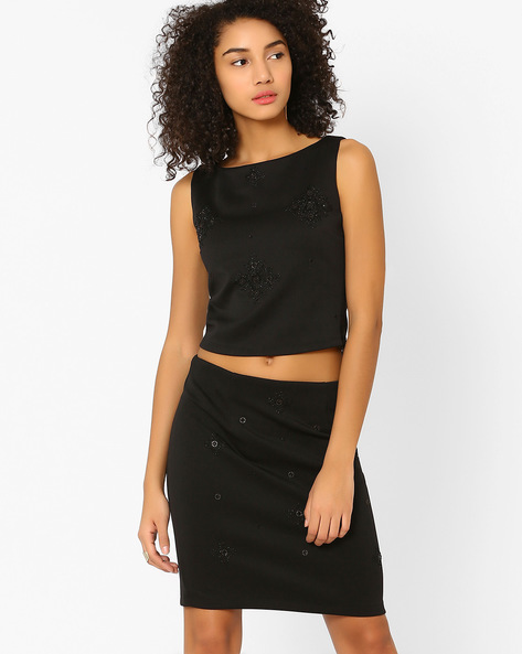 Embellished Sleeveless Crop Top By AJIO ( Black )
