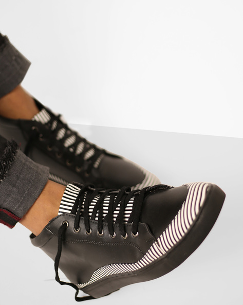 Panelled N9-Treated Lace-Up Shoes By AJIO ( Black )