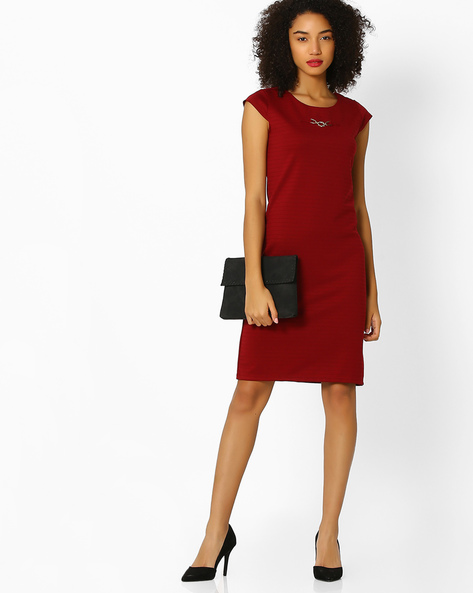 Textured Shift Dress With Metal Accent By FIG ( Maroonburg )
