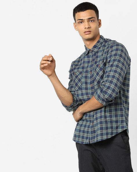 Checked Shirt With Buttoned Pockets By AJIO ( Olive )
