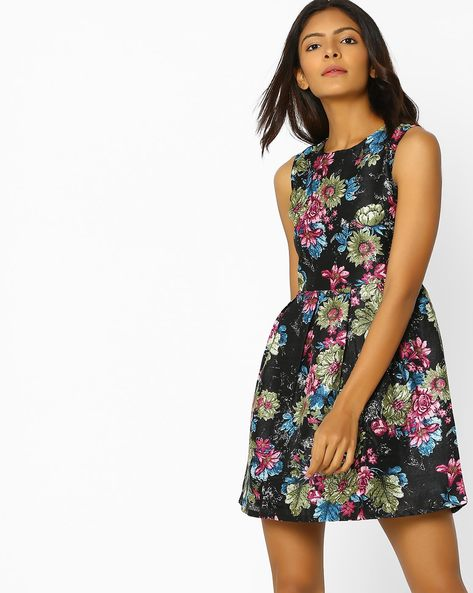 Floral Print Skater Dress By Sassafras ( Black )