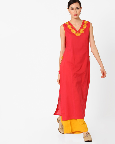 Embroidered Kurta With Mock Tie-Ups By AJIO ( Coral )