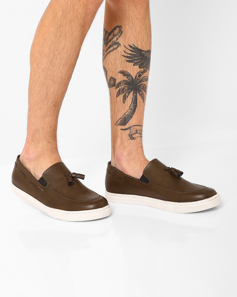 Slip-On Sneakers With Tassels By TURN ( Olive )