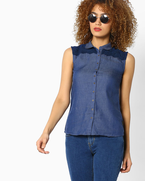 Sleeveless Shirt With Lace Panels By WRANGLER ( Blue )