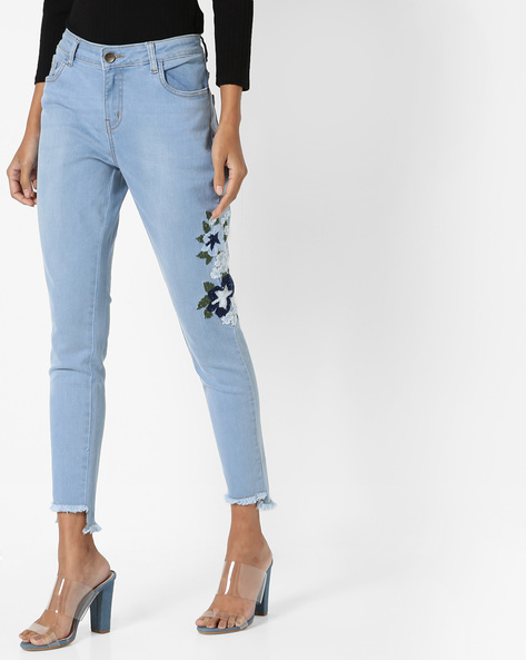 Lightly Washed Jeans With Floral Embroidery By AJIO ( Lightblue )