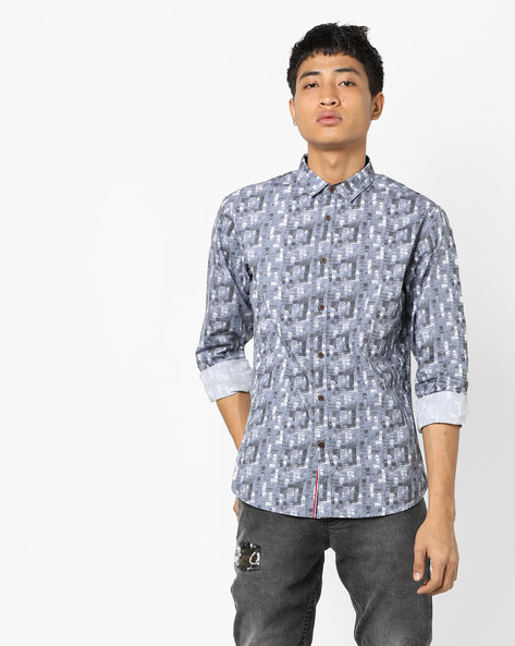 Printed Slim Fit Shirt With Curved Hemline By AJIO ( Navy )