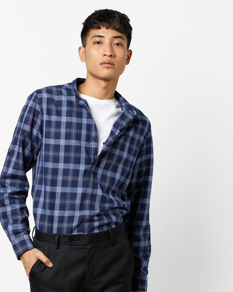 Checked Shirt With Concealed Button Placket By AJIO ( Black )