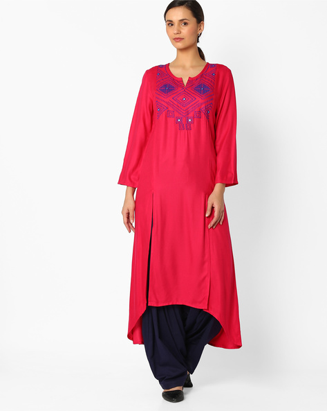 Embroidered Kurta With Dipped Hem By Global Desi ( Pink )