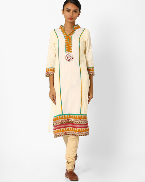 Straight Kurta With Embroidery By Jiyaa ( Offwhite )