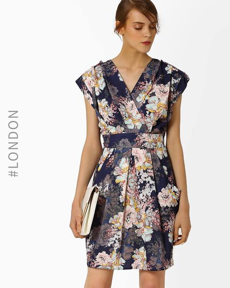 Floral Print Crossover Dress By Closet London ( Navyblue )