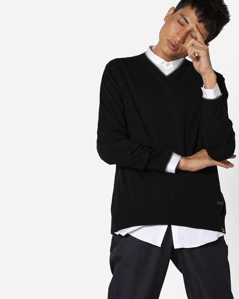 V-Neck Pullover With Contrast Tipping By Lee ( Black )