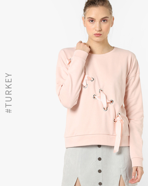 Crew-Neck Sweatshirt With Eyelets By TRENDYOL ( Pink )