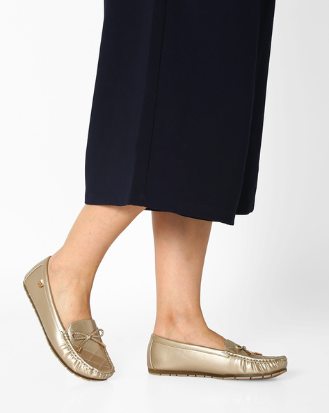 Quilted Loafers With Bow Detail By Carlton London ( Gold )