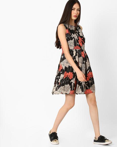 Floral Print Skater Dress By Vero Moda ( Black )