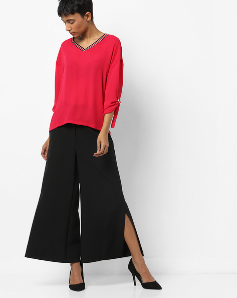 V-neck Top With Buckle-Tab Sleeves By AJIO ( Red )