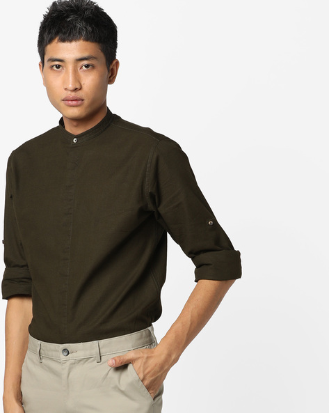 Slim Fit Shirt With Band Collar By AJIO ( Olive )
