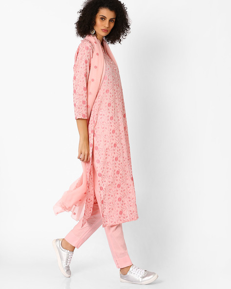 Floral Embroidered Kurta With Pant & Dupatta By Uptowngaleria ( Pink )