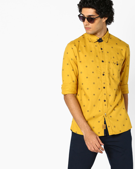 Snowflake Print Shirt With Patch Pocket By Killer ( Mustard )