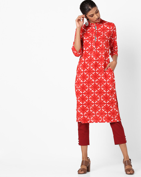 Geometric Print Straight Kurta With Mandarin Collar By AJIO ( Red )