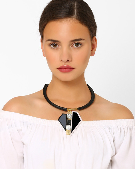 Collar Necklace With Asymmetric Pendant By Style Fiesta ( Black )