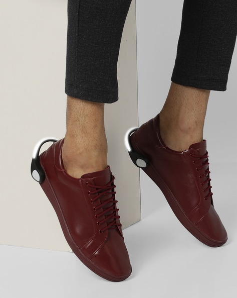 Lace-Up Sneakers With Detachable LED Bands By AJIO ( Maroon )