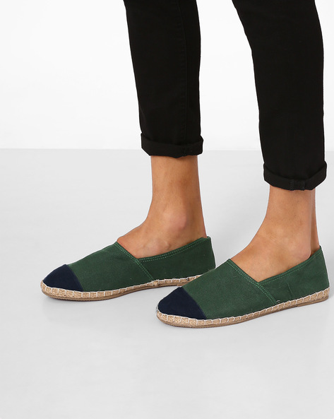 Espadrilles With Contrast Toe-Cap By FAMOZI ( Green )