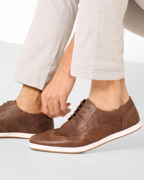 Lace-Up Shoes With Brouguing By Bond Street By Red Tape ( Brown )