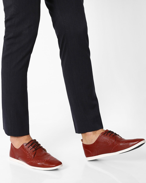 Knicker Brogue Derby Shoes By Knotty Derby ( Cherry )