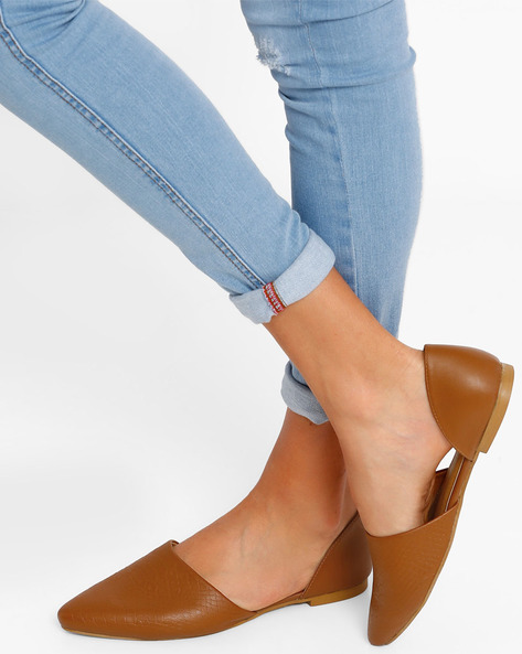 Textured Pointy-Toe Flat Shoes By AJIO ( Tan )