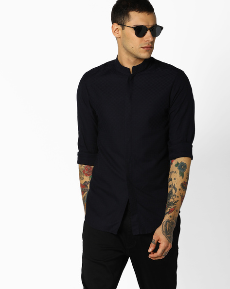 Textured Slim Fit Shirt By The Indian Garage Co ( Navy )
