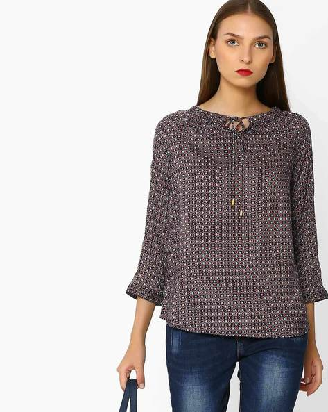 Geometric Print Top With Raglan Sleeves By FIG ( Navy )