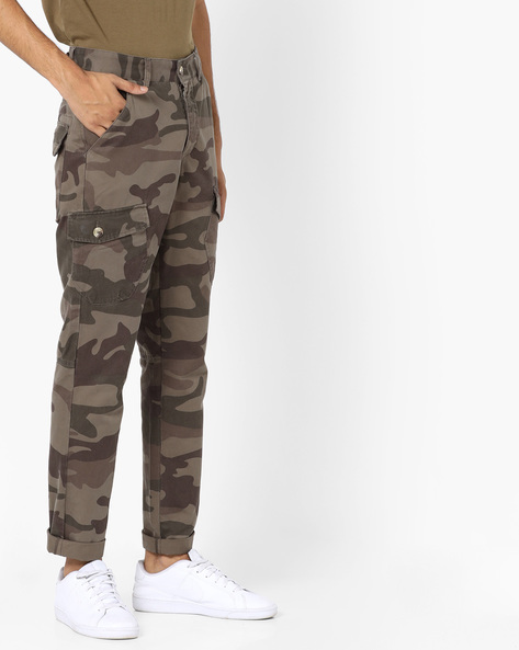 Camouflage Print Cargo Pants By AJIO ( Green )