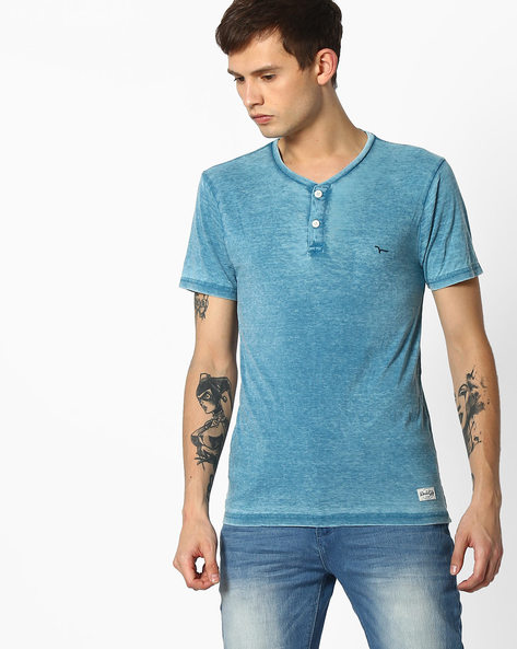 Henley T-shirt With Pocket Impression By FLYING MACHINE ( Blue )