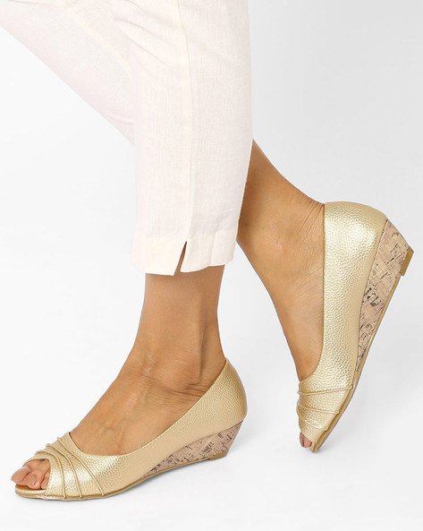 Peep-Toe Wedges By Tresmode ( Gold )