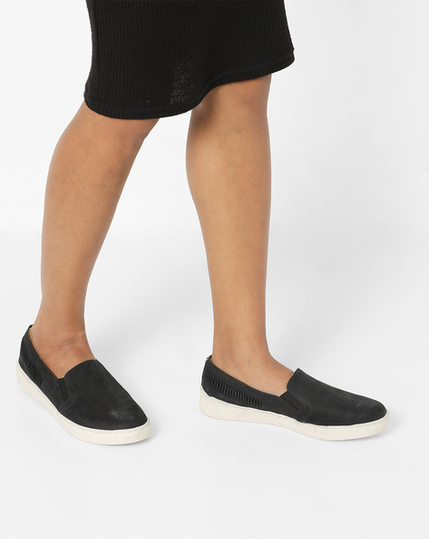 Textured Slip-On Loafers By Carlton London ( Black )