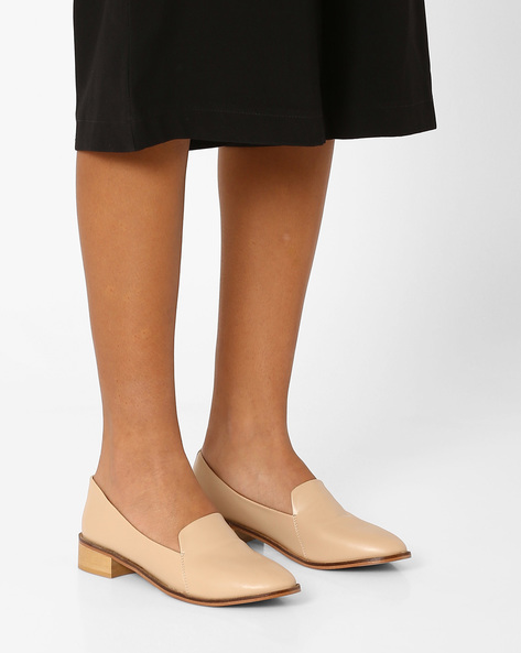 Slip-Ons With Stacked Heels By AJIO ( Nude )