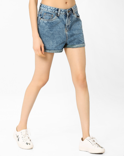 Relaxed Fit Denim Mom Shorts By AJIO ( Lightblue )