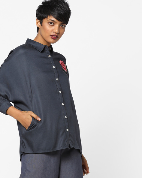 High-Low Shirt With Floral Applique By AJIO ( Darkgrey )
