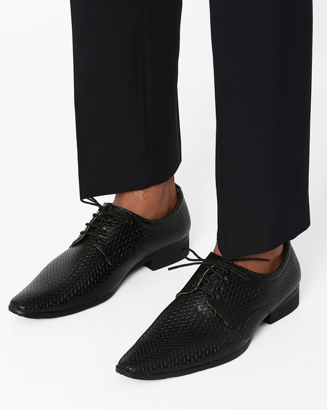 Textured Faux Leather Derby Shoes By Modello Domani ( Black )
