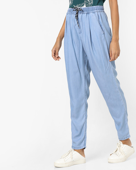 Relaxed Fit Jeans With Elasticated Waistband By AJIO ( Lightblue )