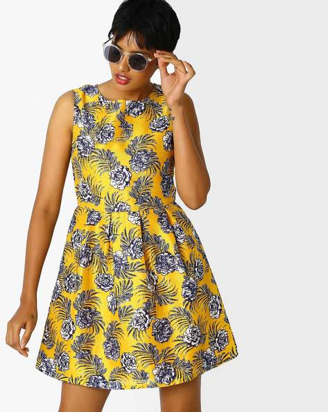 Floral Print Skater Dress By Sassafras ( Yellow )