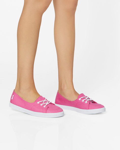 Canvas Shoes With Lace-Ups By Vans ( Pink )