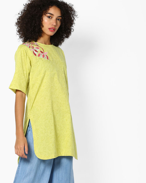 Floral Print Tunic With Embroidery By AJIO ( Limegreen )
