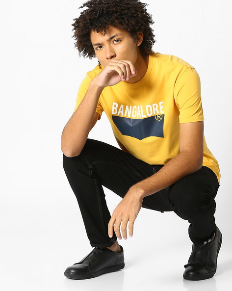 Crew-Neck T-Shirt With Typographic Print By LEVIS ( Mustard )