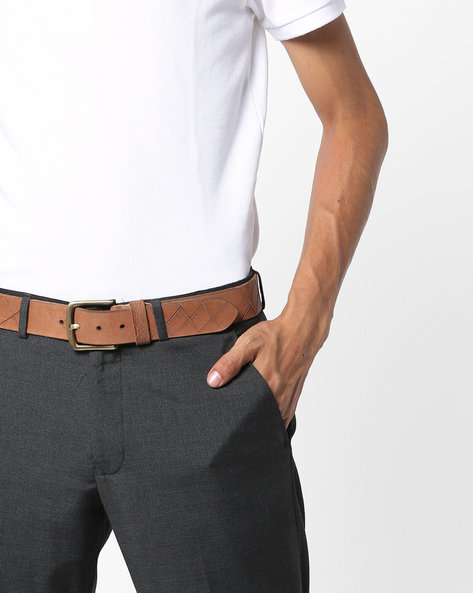 Genuine Leather Belt With Nickle Buckle Closure By AJIO ( Tan )