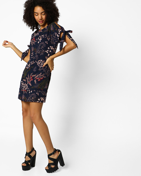 Printed Dress With Cold-Shoulder Sleeves By Femella ( Navyblue )