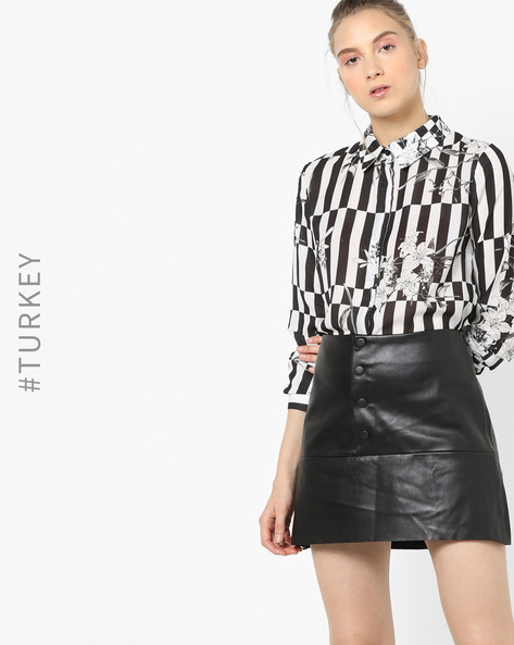 Checked Shirt With Floral Print By TRENDYOL ( Black )