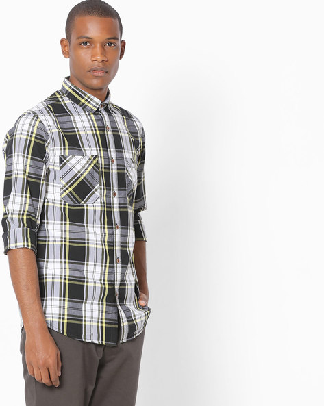 Checked Shirt With Twin Pockets By AJIO ( Olive )