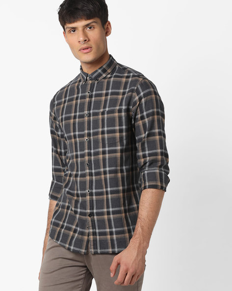 Checked Shirt With Button-Down Collar By AJIO ( Black )